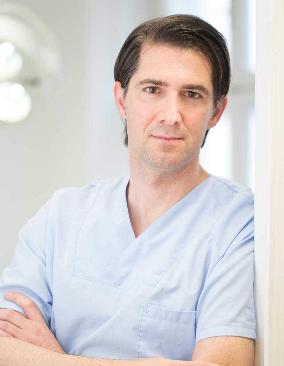 Dr. Alexander Siegl