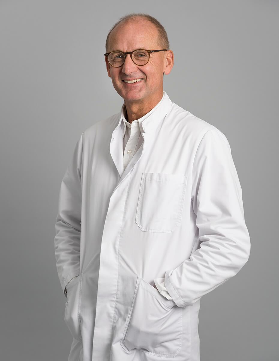 Dr. Günther Straub