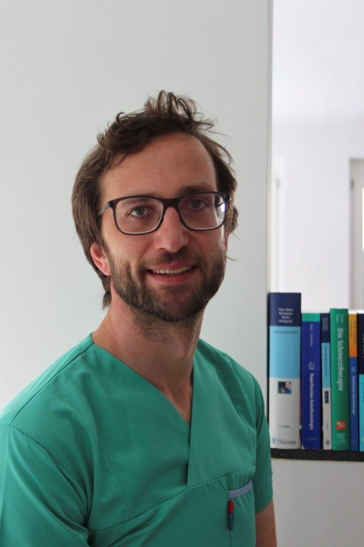 Dr. Stephan Putzer