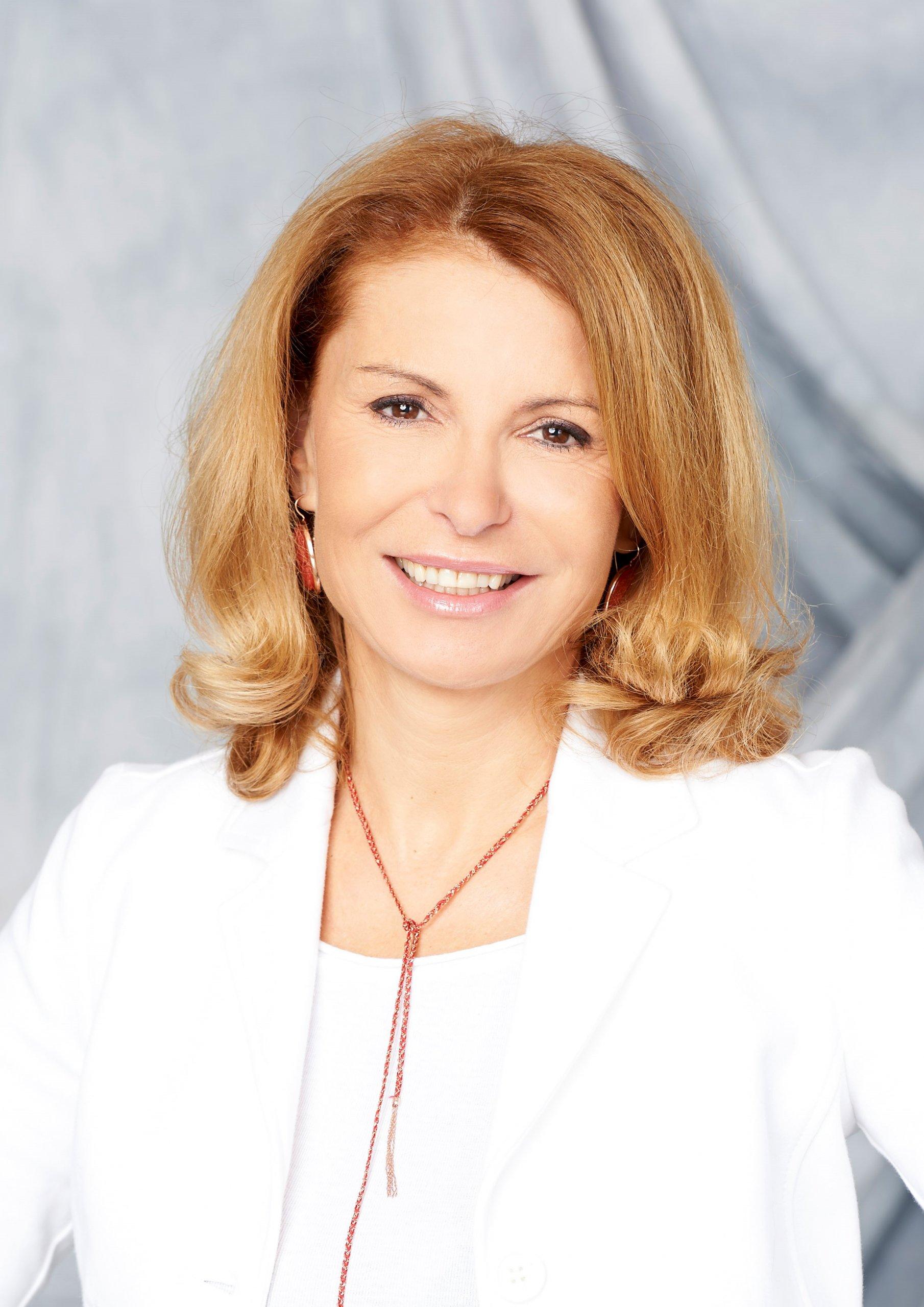 Dr.med. Adriana Neubauer